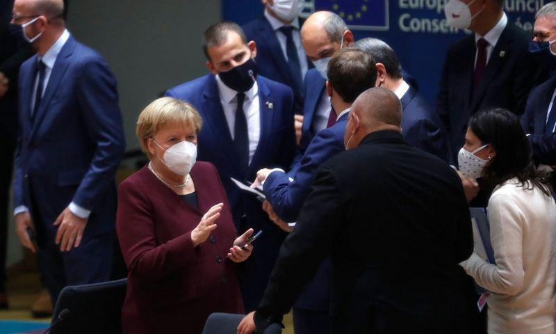 """ES vadovai tikina, kad augantys užsikrėtimų COVID-19 rodikliai gali pareguliuoti numatytų ES viršūnių susitikimų eigą. Francisco Seco (AFP/""""Scanpix"""") nuotr."""