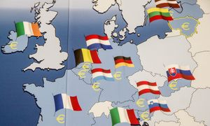 Euro zonos šalių biudžetų deficitai išsipūtė kone dešimteriopai