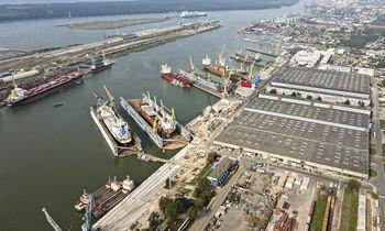 Įkalintos laivų pramonės laukia dar didesnių iššūkių metai