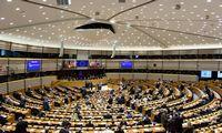 EP ragina atsistatydinti A. Lukašenką, reikalauja atidėti Astravo AE startą
