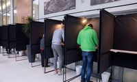 Antrajame rinkimų ture iš anksto jau balsavo daugiau kaip 5% rinkėjų