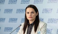 S. Cichanouskaja: Baltarusijoje skelbiamas visuotinis streikas, į gatves išėjo pensininkai