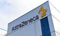 """""""AstraZeneca"""" skelbia, kad jos vakcina sukelia imuninį atsaką įvairaus amžiaus suaugusiesiems"""
