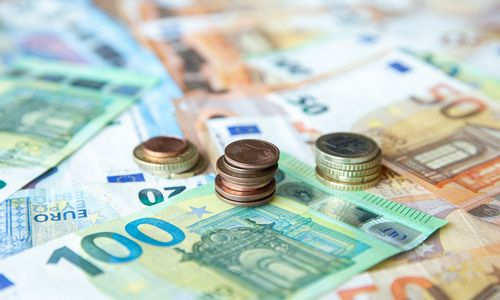 Euro zonos bankai griežtina paskolų išdavimo reikalavimus, reaguodami į COVID-19 protrūkį