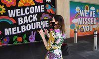Australija džiaugiasi karantino pabaiga Melburne, bet virusas siaučia Europoje, JAV