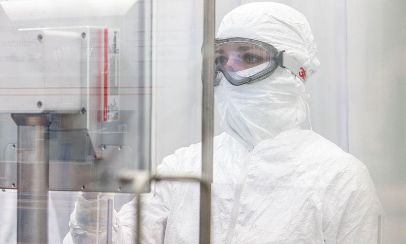 """UAB """"Thermo Fisher Scientific Baltics"""" sterilios gamybos laboratorija. Juditos Grigelytės (VŽ) nuotr."""