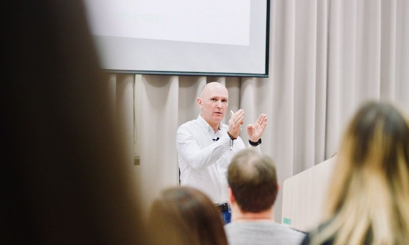 Darius Pietaris, derybininkų akademijos lektorius, organizacijų konsultantas, emocinės kompetencijos derybose ir pardavime treneris.