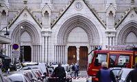 Per įtariamą teroro ataką Nicoje nužudyti 3 žmonės
