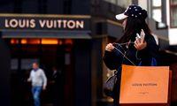 """Istorinis prabangos sandoris bus: LVMH pigiau įsigis """"Tiffany"""""""