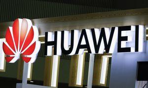 """JAV linkusios leisti parduoti lustus """"Huawei"""", jei jie – ne 5G verslui"""
