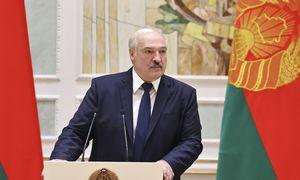 A. Lukašenka protestuotojams grasina fiziniu susidorojimu