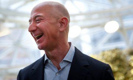 """""""Amazon"""" ketvirčiošuolis: grynieji pardavimai augo 37%"""