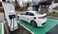 Net sparčiai plėtojama infrastruktūra nespėja paskui augančią elektromobilių rinką