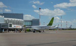 """""""AirBaltic"""" steigia padalinį Lietuvoje"""