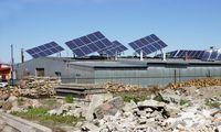 Saulės energetikos ambicijoms koją kiša stiklas