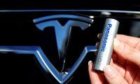 """""""Teslai"""" žengiant į Europą, baterijų gamybą čia kelti svarsto ir """"Panasonic"""""""