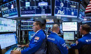 Į akcijų kainų lygius žiūri su atsargumu