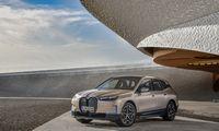 """""""BMW iX"""": stilius prieš technologijas"""
