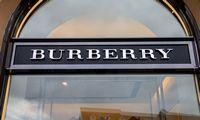 """""""Burberry"""" strategijoje – mažiau nuolaidų"""