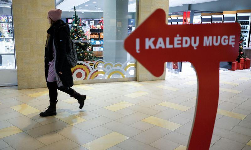 Prekybos centrai, kurie priims prekiauti smulkiuosius, taikys griežtus prekybos ribojimo reikalavimus.  Vladimiro Ivanovo (VŽ) nuotr.