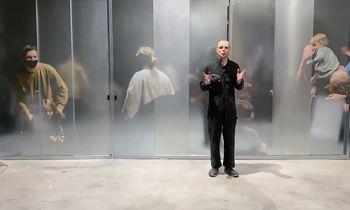 J. Urbono kosminis performansas – vienas iš ateities scenarijų