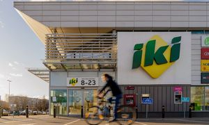 """Prekybininkainutraukia Latvijos konditerijos įmonės """"Adugs"""" produkcijos pirkimą"""