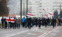 """Baltarusijojesulaikyta mažiausiai 300protestuotojų, skelbia""""Viasna"""""""