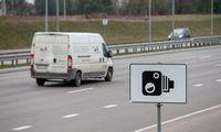 Vyriausybė palaiko siekį įspėti vairuotojus apie greičio kontrolę