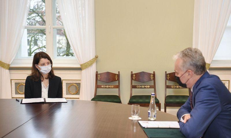 Prezidentas Gitanas Nausėda susitinka su kandidate į socialinės apsaugos ir darbo ministres Monika Navickiene. Roberto Dačkaus (Prezidento kanceliarija) nuotr.