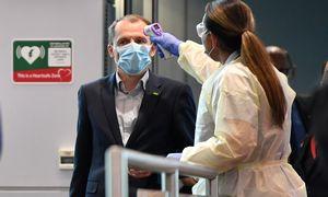 Skrydžiai po pandemijos: randasi idėjų privalomam skiepui