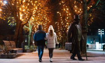 Didieji miestai Kalėdų egles žiebia virtualiai
