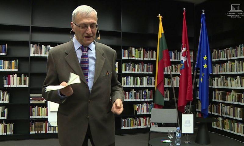 Prof. Guido Michelini (1951-2020) paskaitoje Nacionalinėje M. Mažvydo bibliotekoje šių metų sausį. alkas.lt nuotr.