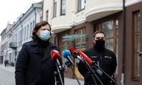 Policija rado per 600.000 Eur grynųjų ir ginklų, tiriami ryšiai su pareigūnais