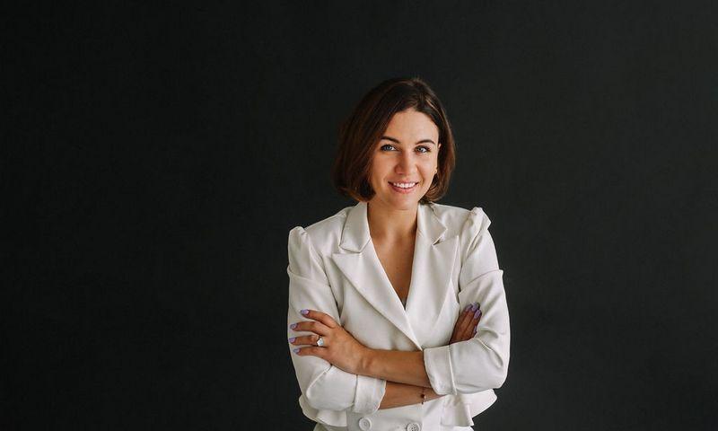 """Raimonda Radvilavičienė, UAB """"Alytaus keramika"""" direktorė: """"Buvo laikas, kai neliko kam vadovauti – tik sau pačiai."""" Įmonės nuotr."""