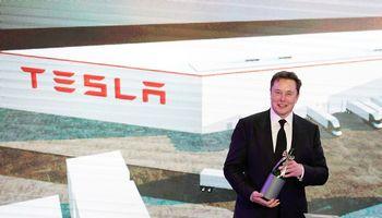 E. Muskas tapo antru turtingiausiu žmogumi pasaulyje