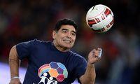 """D. Maradona ir pinigai: nuo išlaidų kokainui iki """"Dievo rankos"""" lyg centrinio banko"""