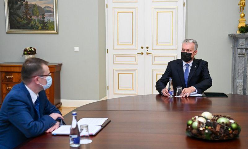Prezidentas Gitanas Nausėda susitinka su kandidatu į sveikatos apsaugos ministrus Arūnu Dulkiu. Roberto Dačkaus (Prezidento kanceliarija) nuotr.
