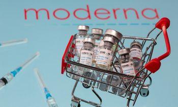 """Baigusi tyrimus """"Moderna"""" kreipiasi dėl vakcinos patvirtinimo JAV ir Europoje"""
