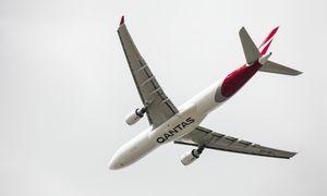 """Australų """"Qantas Airways"""" atleis dar 2.000 darbuotojų"""