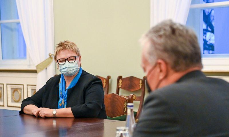 Prezidentas Gitanas Nausėda susitinka su kandidate į žemės ūkio ministres Dalia Miniataite. Roberto Dačkaus (Prezidento kanceliarija) nuotr.