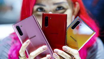 """Samsung"" atsisako ""Galaxy Note"" modelio"