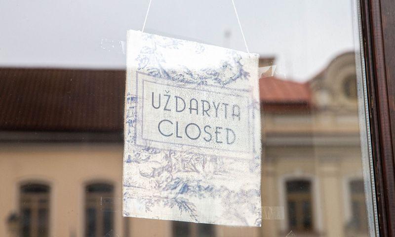 Uždarytos kavinės, restoranai ir parduotuvės Vilniaus senamiestyje antro karantino metu. Juditos Grigelytės (VŽ) nuotr.