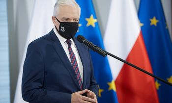 Lenkija švelnina toną dėl ES biudžeto veto, užsimena apie galimą kompromisą