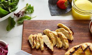 Pokyčiai prasideda: Singapūras leido prekiauti laboratorijoje užauginta vištiena