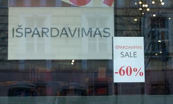 """""""Juodojo penktadienio"""" išpardavimai leidžia prognozuoti gerą kalėdinę prekybą"""
