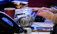 Virtualūs darbuotojų pokalbiai: kas juos gali perskaityti