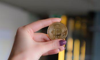 Bitkoinas naujas aukštumas atmatavo ties 28.580 USD