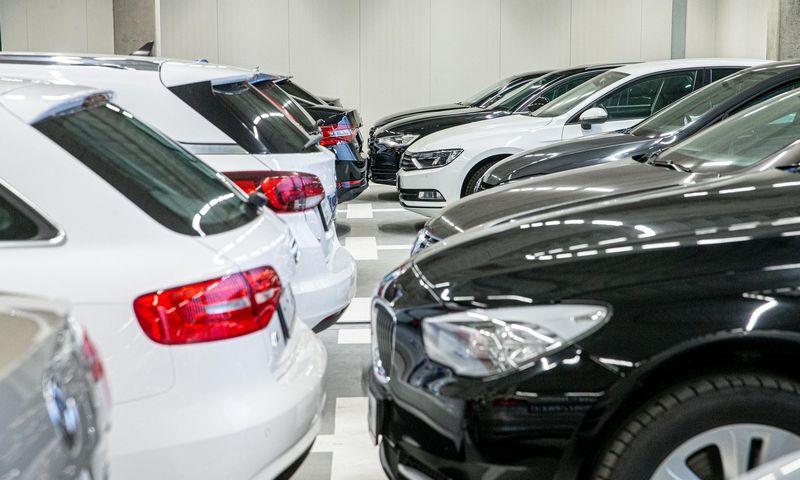 Neįvardijami automobilių prekybininkai įtariami sukūrę PVM nuslėpimo schemą. Juditos Grigelytės (VŽ) nuotr.