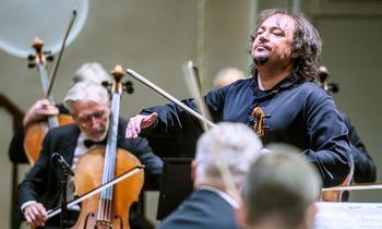 Nelaužant tradicijų: šventinis koncertas iš Filharmonijos
