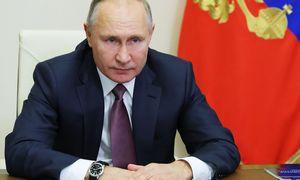 Kremlius ruošiasi parlamento rinkimams: dar stipriau riša rankas opozicijai